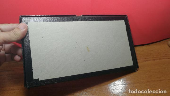 Herramientas de relojes: Antigua caja para clasificar repuestos de reloj o relojería, con gran cantidad de estuches capsulas - Foto 25 - 140593930