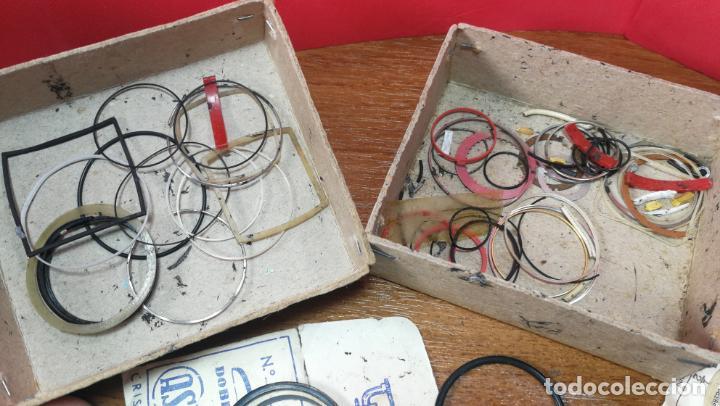 Herramientas de relojes: CAJA ANTIGUA CON JUNTAS DE RELOJ O PARA RELOJERÍA - Foto 19 - 140594794