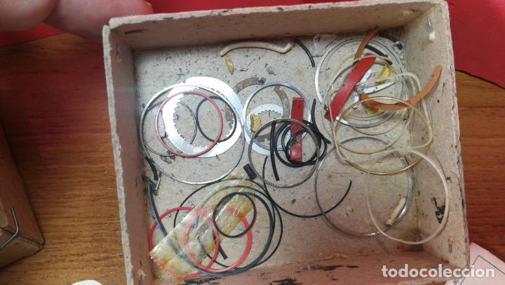 Herramientas de relojes: CAJA ANTIGUA CON JUNTAS DE RELOJ O PARA RELOJERÍA - Foto 21 - 140594794