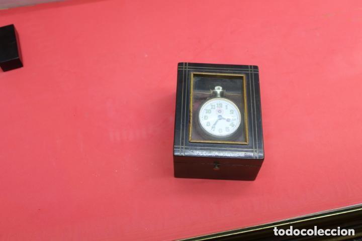 RELOJERA DE VIAJE INGLESA CON FORMA DE CAJA (Relojes - Herramientas y Útiles de Relojero )