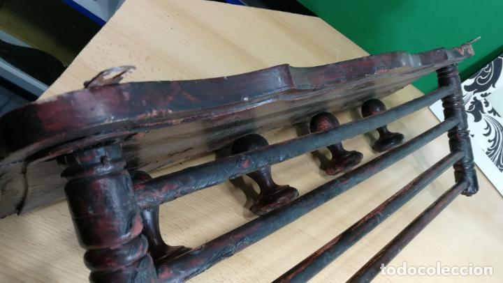 Herramientas de relojes: Percha antigua de madera utilizada en una relojería ya cerrada hace años, PARA RESTAURAR - Foto 7 - 160196238