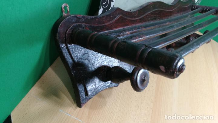 Herramientas de relojes: Percha antigua de madera utilizada en una relojería ya cerrada hace años, PARA RESTAURAR - Foto 10 - 160196238