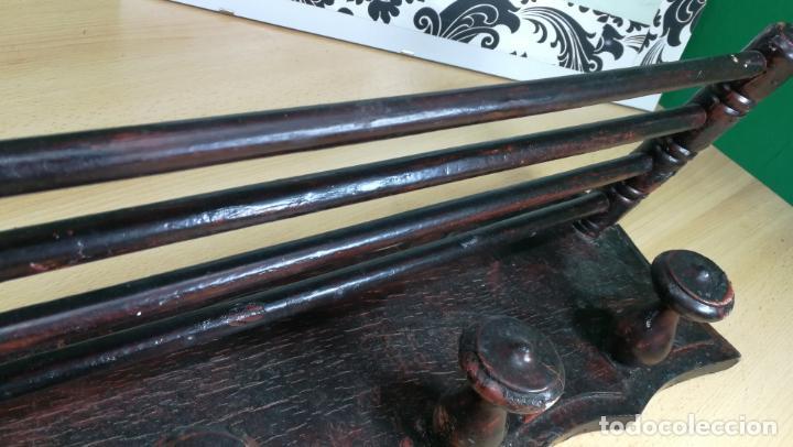 Herramientas de relojes: Percha antigua de madera utilizada en una relojería ya cerrada hace años, PARA RESTAURAR - Foto 11 - 160196238
