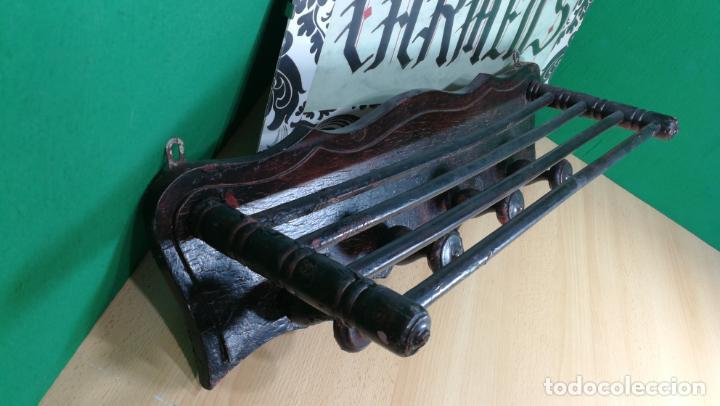 Herramientas de relojes: Percha antigua de madera utilizada en una relojería ya cerrada hace años, PARA RESTAURAR - Foto 14 - 160196238