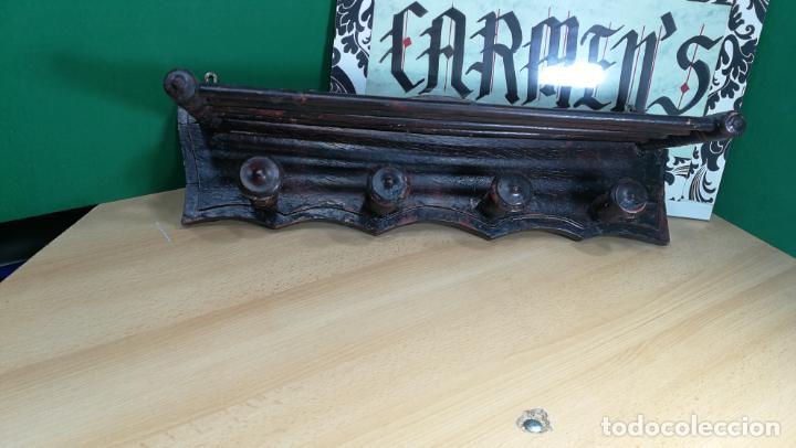 Herramientas de relojes: Percha antigua de madera utilizada en una relojería ya cerrada hace años, PARA RESTAURAR - Foto 17 - 160196238