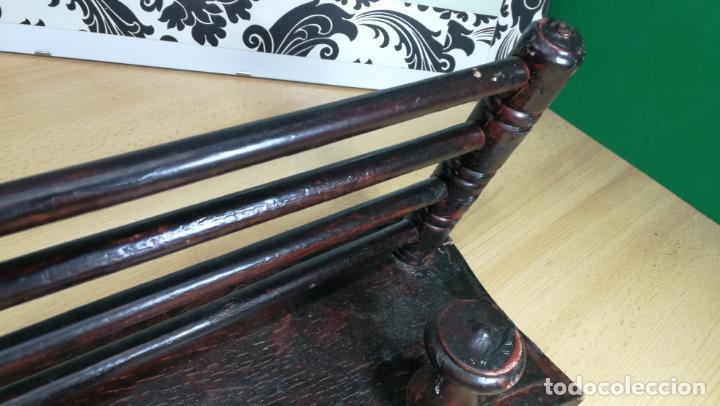 Herramientas de relojes: Percha antigua de madera utilizada en una relojería ya cerrada hace años, PARA RESTAURAR - Foto 23 - 160196238
