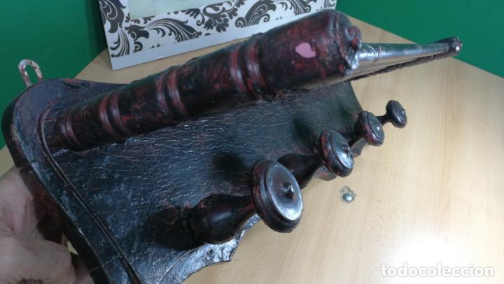 Herramientas de relojes: Percha antigua de madera utilizada en una relojería ya cerrada hace años, PARA RESTAURAR - Foto 24 - 160196238