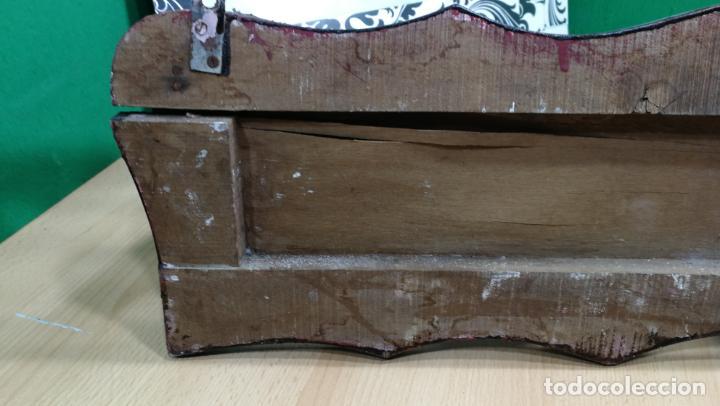 Herramientas de relojes: Percha antigua de madera utilizada en una relojería ya cerrada hace años, PARA RESTAURAR - Foto 31 - 160196238