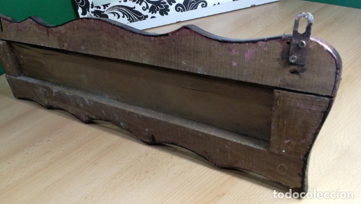 Herramientas de relojes: Percha antigua de madera utilizada en una relojería ya cerrada hace años, PARA RESTAURAR - Foto 33 - 160196238