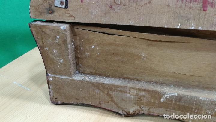 Herramientas de relojes: Percha antigua de madera utilizada en una relojería ya cerrada hace años, PARA RESTAURAR - Foto 35 - 160196238