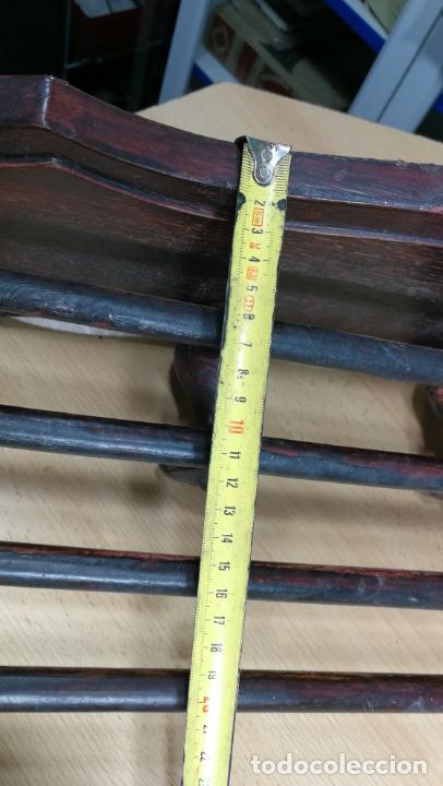 Herramientas de relojes: Percha antigua de madera utilizada en una relojería ya cerrada hace años, PARA RESTAURAR - Foto 40 - 160196238