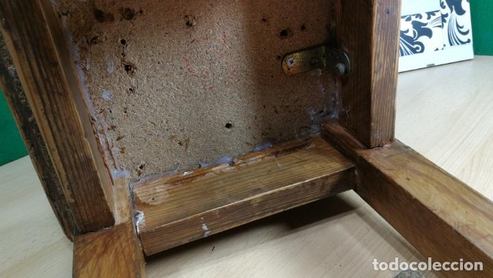 Herramientas de relojes: TABURETE ANTIGUO PEQUEÑO estaba en TALLER RELOJERO - Foto 7 - 167835924