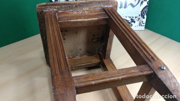 Herramientas de relojes: TABURETE ANTIGUO PEQUEÑO estaba en TALLER RELOJERO - Foto 11 - 167835924