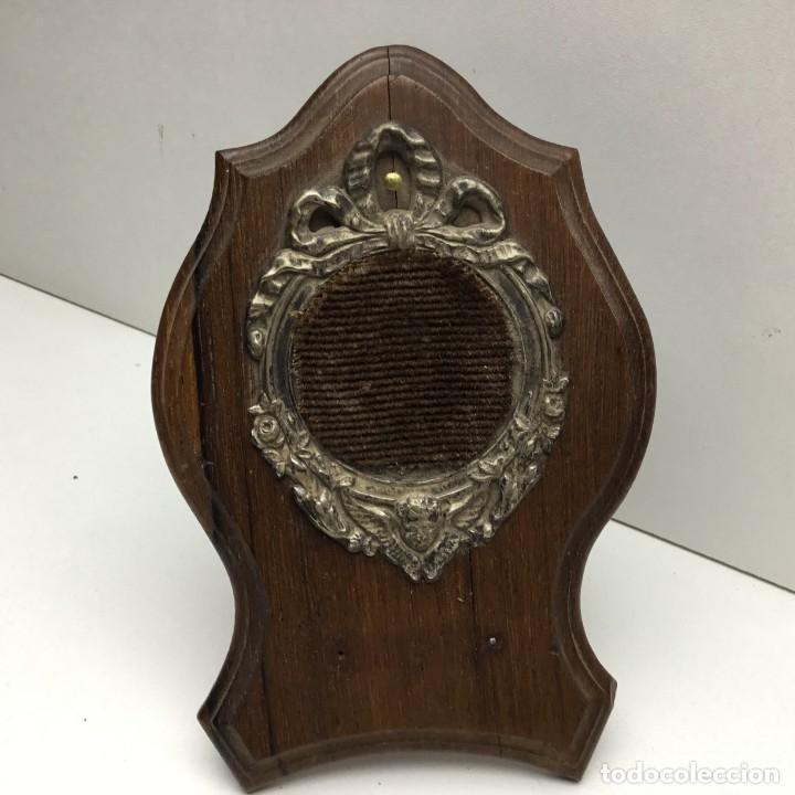 Herramientas de relojes: ANTIGUA RELOJERA - PORTA RELOJ DE BOLSILLO DE MADERA PARA RESTAURAR - Foto 4 - 170424828