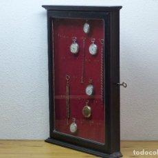 Herramientas de relojes: VITRINA PARA RELOJES DE BOLSILLO Y OTROS,,,EN MADERA EBONIZADA. Lote 175076349