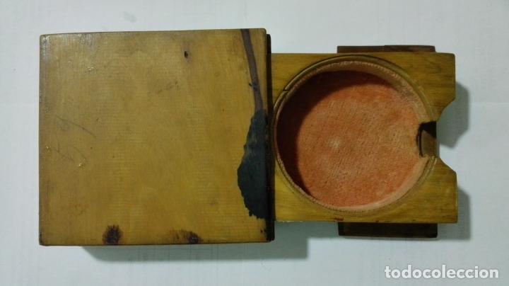 Herramientas de relojes: EXPOSITOR RELOJ DE BOLSILLO, MADERA CON PINTURA FLORAL - Foto 5 - 182795451
