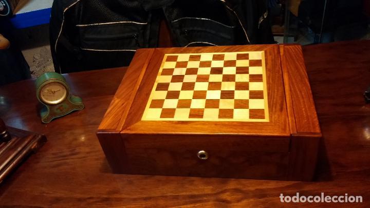 Herramientas de relojes: Botita caja con llave para guardar tábaco, relojes, joyas o lo que se quiera, creo que de cedro - Foto 2 - 183865775