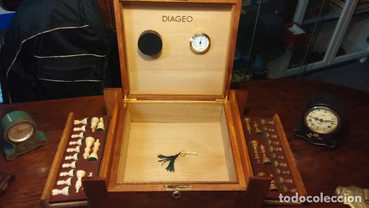 Herramientas de relojes: Botita caja con llave para guardar tábaco, relojes, joyas o lo que se quiera, creo que de cedro - Foto 13 - 183865775