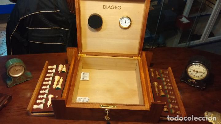 Herramientas de relojes: Botita caja con llave para guardar tábaco, relojes, joyas o lo que se quiera, creo que de cedro - Foto 14 - 183865775