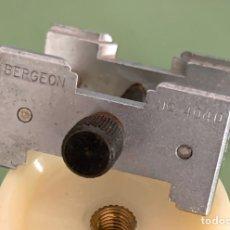 Herramientas de relojes: BERGEON ABRAZADERA RELOJES NÚMERO 4040. Lote 186077900
