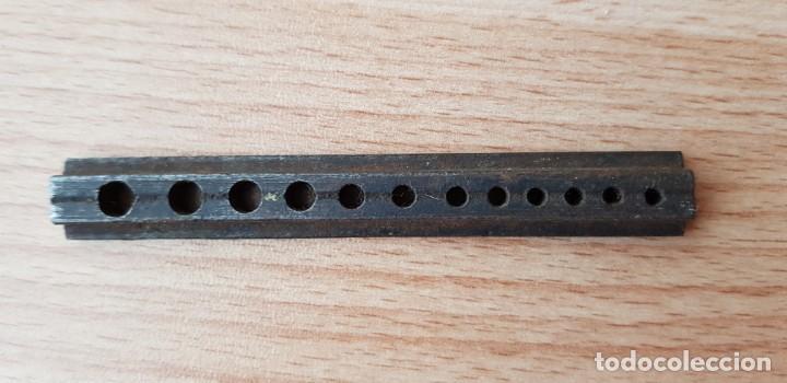 Herramientas de relojes: 194-Banquillo relojero,12 agujeros, para pivotes grandes. - Foto 2 - 194755185