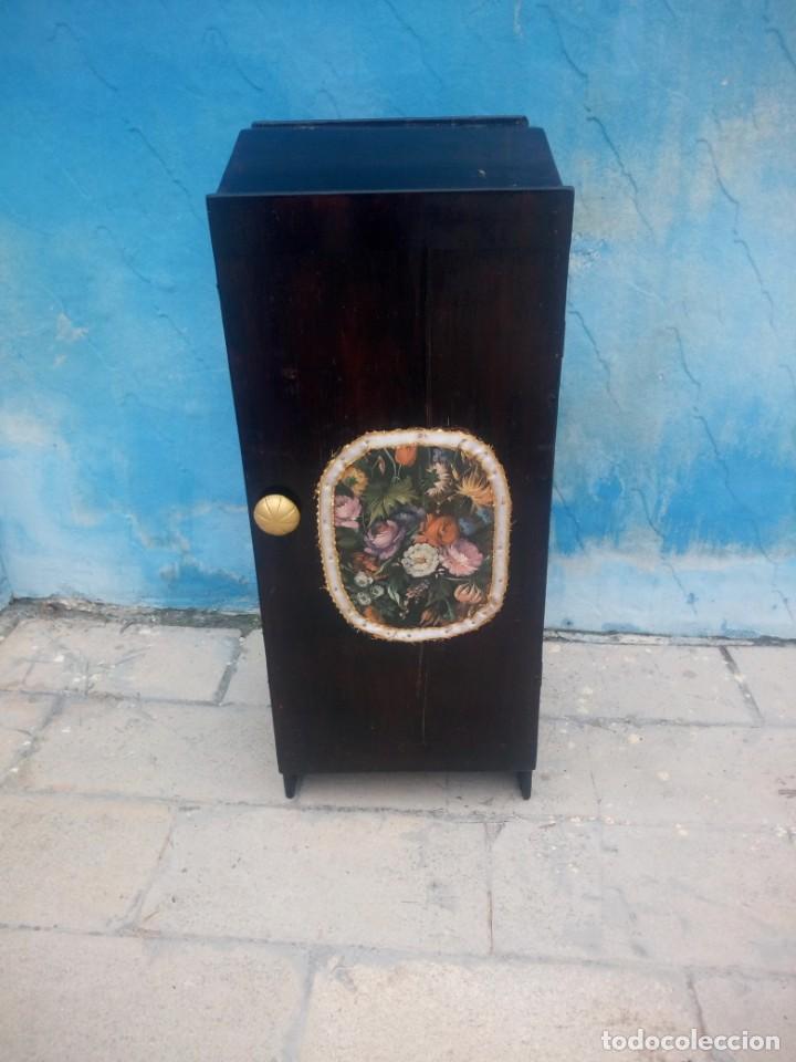 Herramientas de relojes: Antiguo armario de relojero,con 27 cajones abajo y en la parte de arriba bandeja y 1 cajón,siglo xix - Foto 3 - 200161138