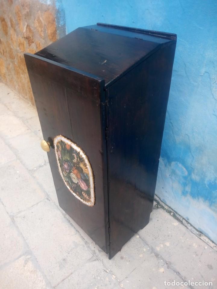 Herramientas de relojes: Antiguo armario de relojero,con 27 cajones abajo y en la parte de arriba bandeja y 1 cajón,siglo xix - Foto 7 - 200161138