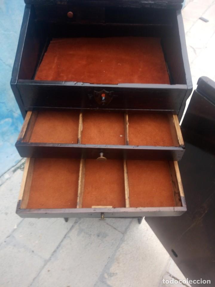 Herramientas de relojes: Antiguo armario de relojero,con 27 cajones abajo y en la parte de arriba bandeja y 1 cajón,siglo xix - Foto 12 - 200161138