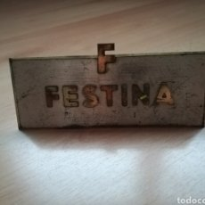 Strumenti di orologiaio: ANTIGUA CHAPA METÁLICA DE EXPOSITOR FESTINA.. Lote 215020357