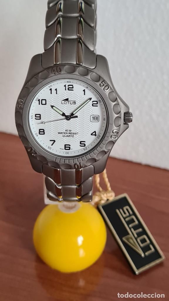 RELOJ CABALLERO DE CUARZO LOTUS DE TITANIO, ESFERA BLANCA, CALENDARIO LAS TRES HORAS, CORREA TITANIO (Relojes - Relojes Actuales - Lotus)