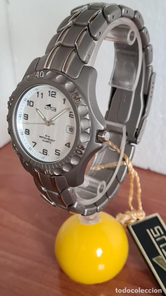 Relojes - Lotus: Reloj caballero de cuarzo LOTUS de titanio, esfera blanca, calendario las tres horas, correa titanio - Foto 3 - 244740270
