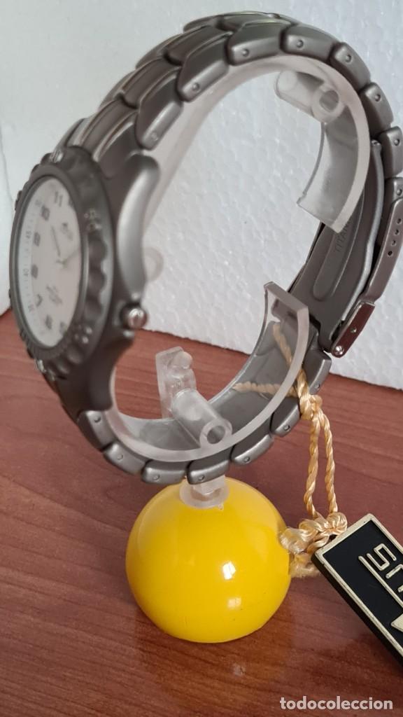 Relojes - Lotus: Reloj caballero de cuarzo LOTUS de titanio, esfera blanca, calendario las tres horas, correa titanio - Foto 5 - 244740270