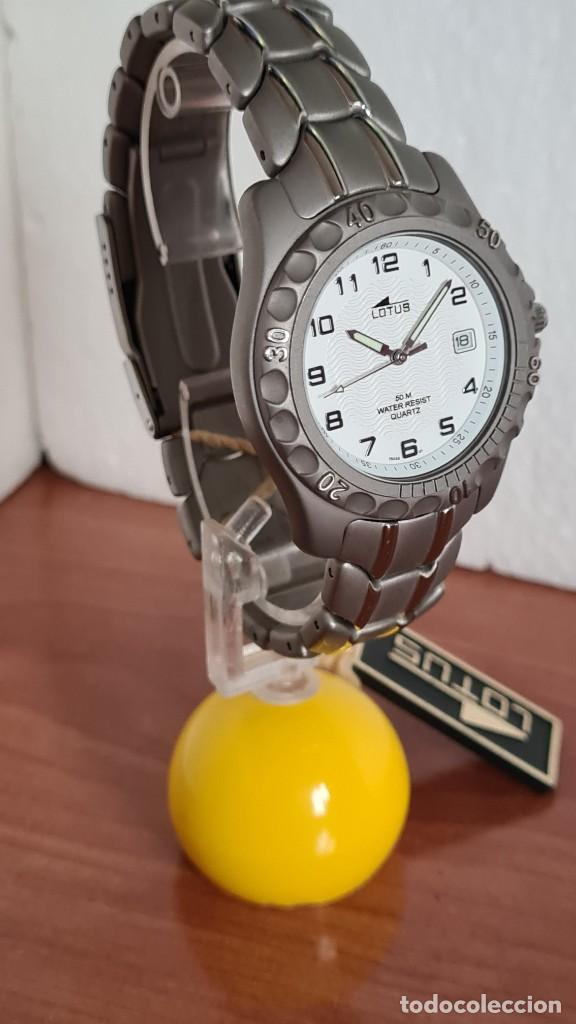 Relojes - Lotus: Reloj caballero de cuarzo LOTUS de titanio, esfera blanca, calendario las tres horas, correa titanio - Foto 6 - 244740270