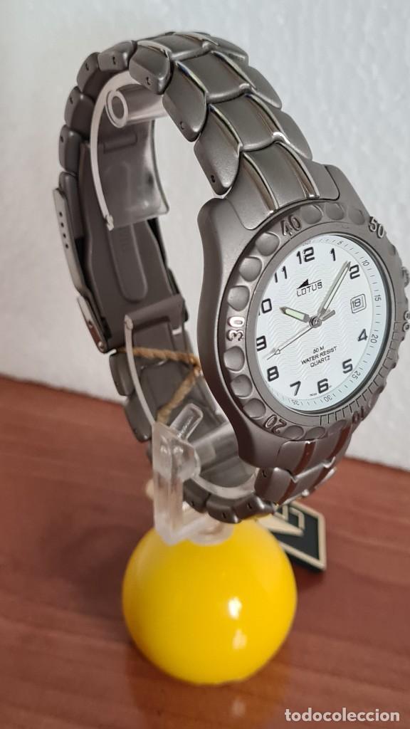 Relojes - Lotus: Reloj caballero de cuarzo LOTUS de titanio, esfera blanca, calendario las tres horas, correa titanio - Foto 8 - 244740270