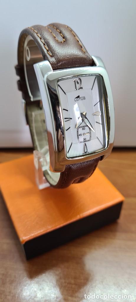 Relojes - Lotus: Reloj unisex cuarzo LOTUS en acero, esfera blanca con segundero a las seis, correa cuero marrón. - Foto 3 - 253554845