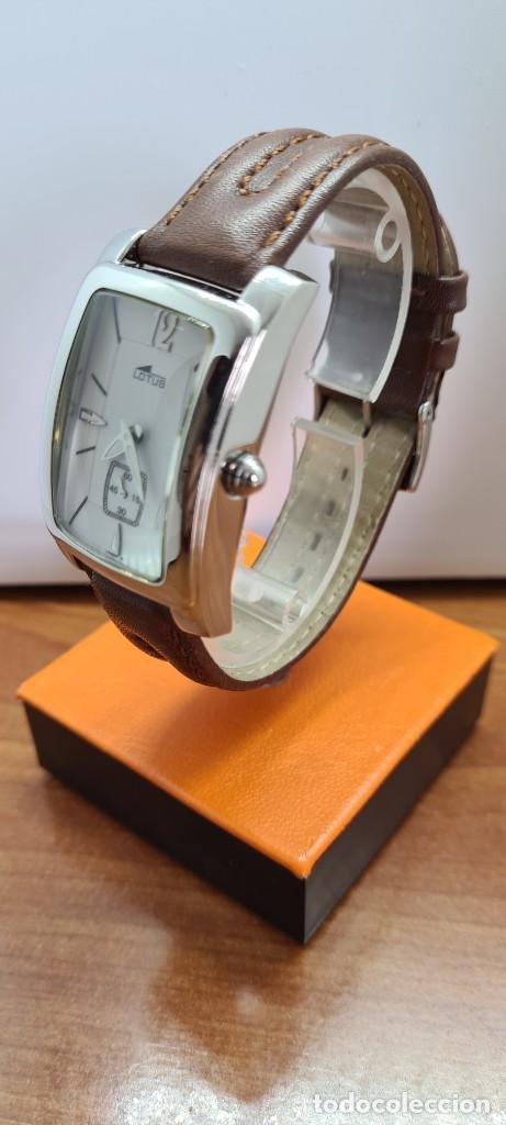 Relojes - Lotus: Reloj unisex cuarzo LOTUS en acero, esfera blanca con segundero a las seis, correa cuero marrón. - Foto 4 - 253554845