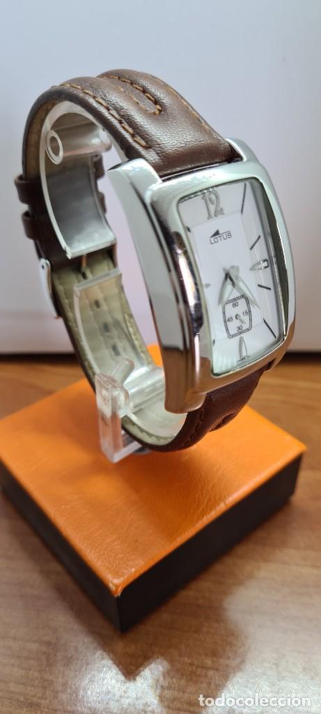 Relojes - Lotus: Reloj unisex cuarzo LOTUS en acero, esfera blanca con segundero a las seis, correa cuero marrón. - Foto 5 - 253554845