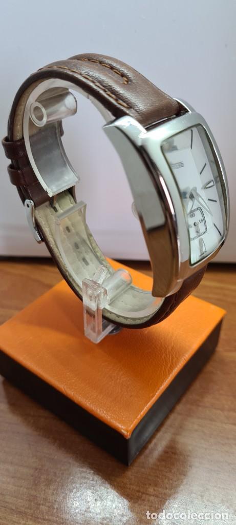 Relojes - Lotus: Reloj unisex cuarzo LOTUS en acero, esfera blanca con segundero a las seis, correa cuero marrón. - Foto 9 - 253554845