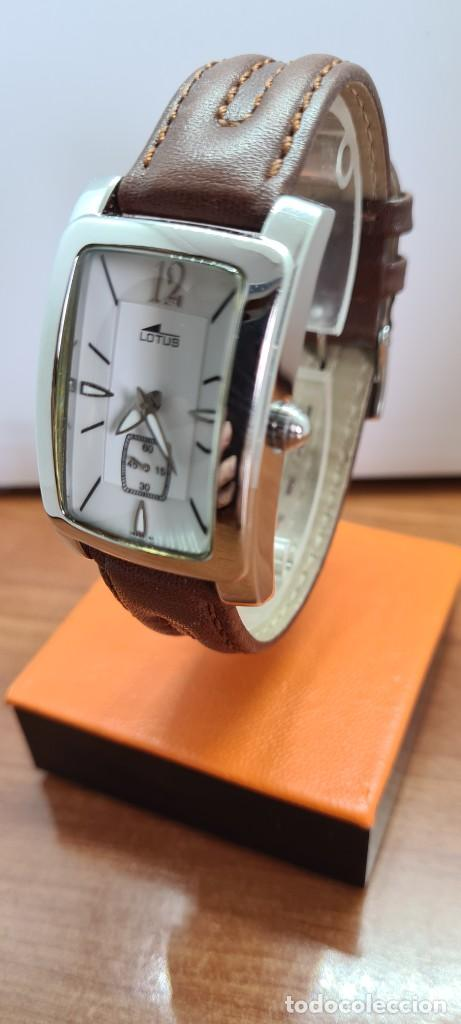 Relojes - Lotus: Reloj unisex cuarzo LOTUS en acero, esfera blanca con segundero a las seis, correa cuero marrón. - Foto 11 - 253554845