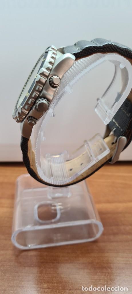 Relojes - Lotus: Reloj caballero LOTUS titanio cuarzo cronografo, calendario a las tres, correa cuero original LOTUS - Foto 8 - 253897540