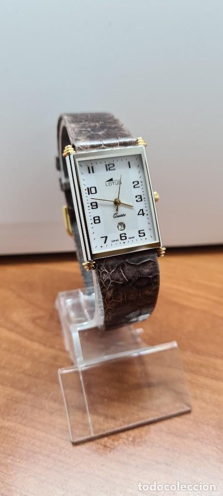 Relojes - Lotus: Reloj unisex cuarzo LOTUS en acero bicolor, esfera blanca, agujas chapadas oro, correa marrón LOTUS - Foto 3 - 255417085