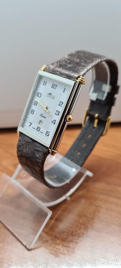 Relojes - Lotus: Reloj unisex cuarzo LOTUS en acero bicolor, esfera blanca, agujas chapadas oro, correa marrón LOTUS - Foto 4 - 255417085