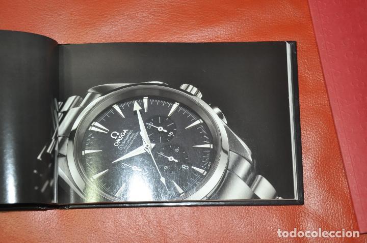 Relojes - Omega: LOTE DE 2 CATALOGOS DE RELOJES OMEGA , AÑO 2001 Y AÑO 2005 - Foto 3 - 85124984
