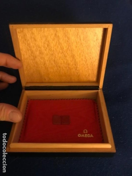 Relojes - Omega: CAJA RELOJ OMEGA LOUIS BRANDT & FRÈRE S. A. ALMOHADILLA ROJA INTERIOR VACIA NEGRA - Foto 5 - 238807760