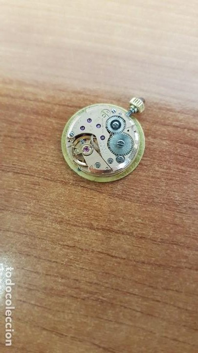 Relojes - Omega: Máquina reloj OMEGA de cuerda manual, calibre Omega 625, Esfera oro muy buena y una aguja original - Foto 3 - 199418158