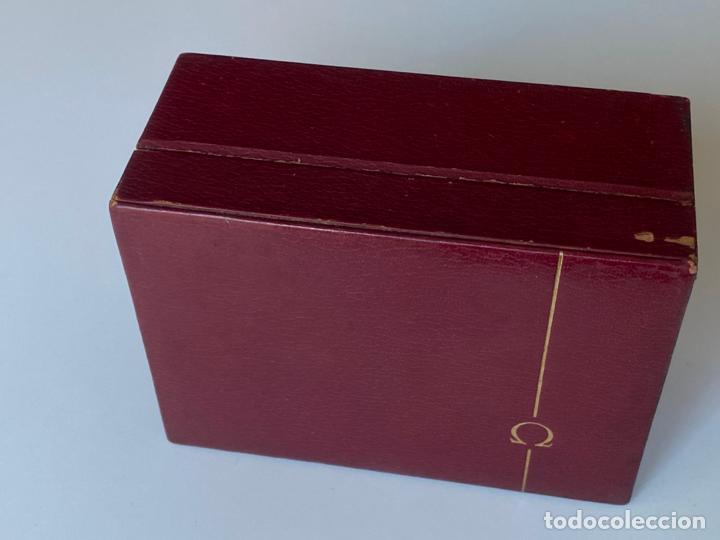 Relojes - Omega: estuche de reloj omega , antiguo y original , vacío . color burdeos , 14 x 10,2 x 6,3 cm. , - Foto 3 - 216595726