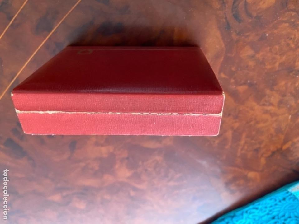 Relojes - Omega: CAJA ESTUCHE ORIGINAL DE RELOJ OMEGA LOUIS BRANDT SUISSE MADERA FORRADA LOEWE AÑOS 40 CPLOR ROJO - Foto 2 - 234278635