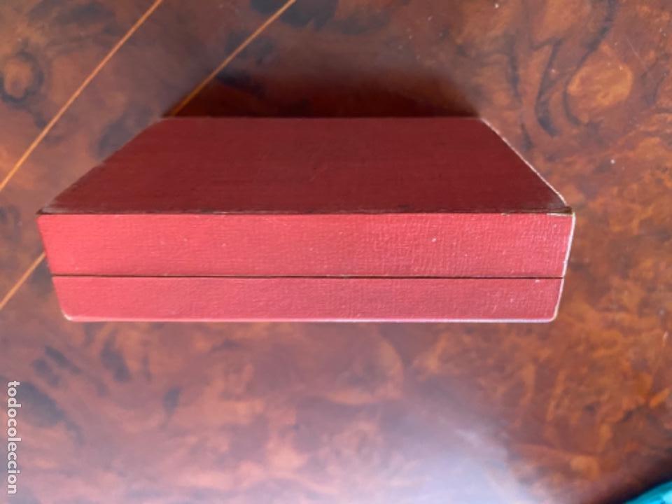 Relojes - Omega: CAJA ESTUCHE ORIGINAL DE RELOJ OMEGA LOUIS BRANDT SUISSE MADERA FORRADA LOEWE AÑOS 40 CPLOR ROJO - Foto 9 - 234278635