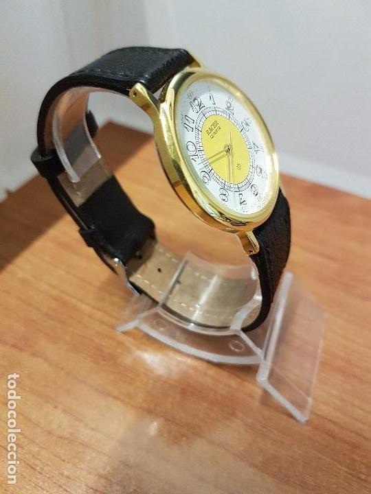 Relojes - Racer: Reloj caballero RACER de cuarzo chapado de oro, esfera muy bonita, correa negra nueva sin uso - Foto 2 - 102274023
