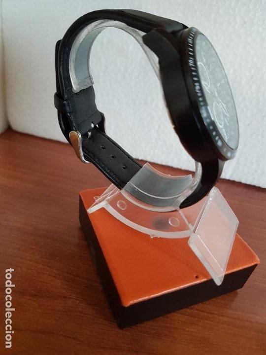 Relojes - Racer: Reloj caballero Racer cronografo de acero pavonado negro, calendario a las tres, correa cuero negra - Foto 7 - 190911793